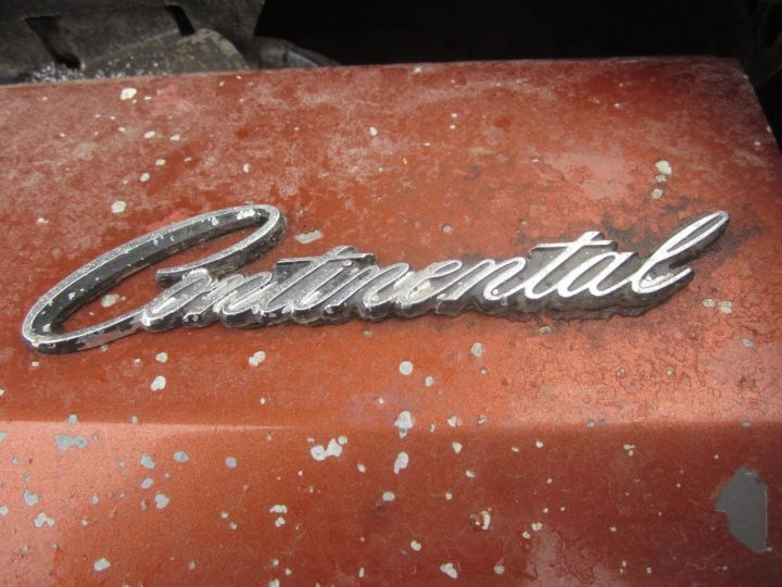 07-1972-Lincoln-Continental-Mark-IV-Down-On-The-Junkyard-Picture-courtesy-of-Phillip-Greden